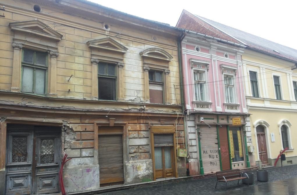 ... Ein Vollkommen Verfallenes Haus, Wie Als Mahnung. Oder Einst Opulente  Gebäude Im Havanna Charme. Sie Haben Seit Jahrzehnten Keine Farbe Oder  Keinen Putz ...
